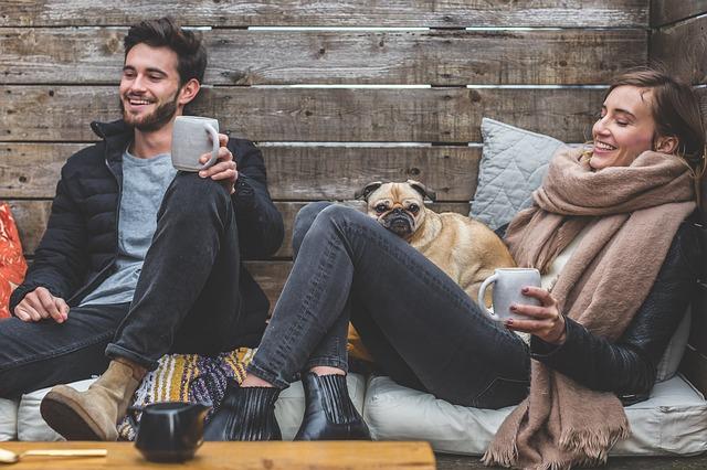 manželé se psem