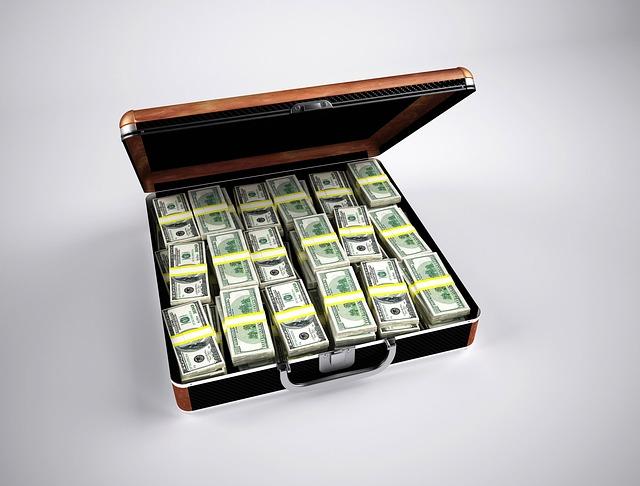 kufříky, balíčky, peněz
